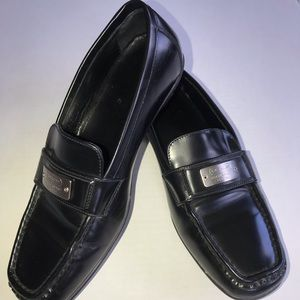 Coach Ladies 6 1/2 black slip on dress shoes NICE!